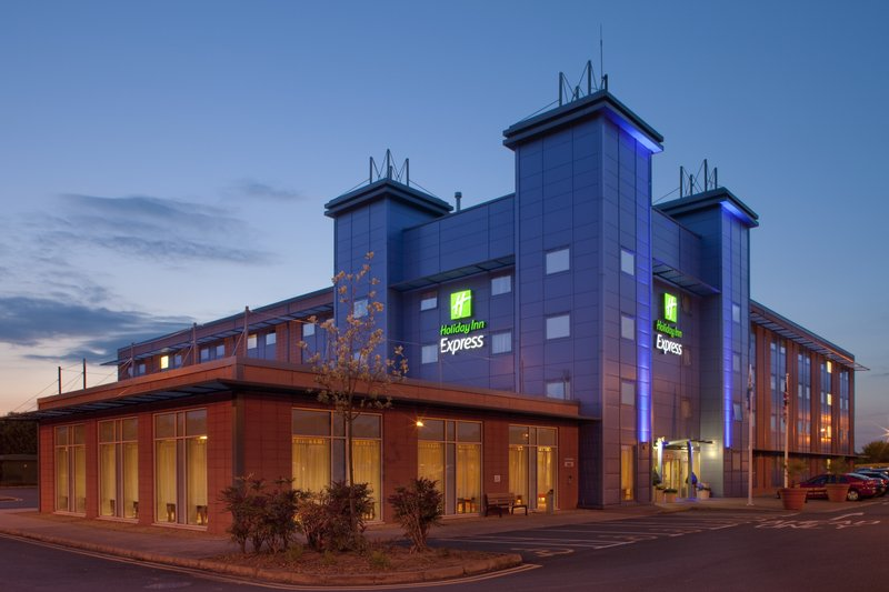Holiday Inn Express Oxford-Kassam Stadium Exterior view