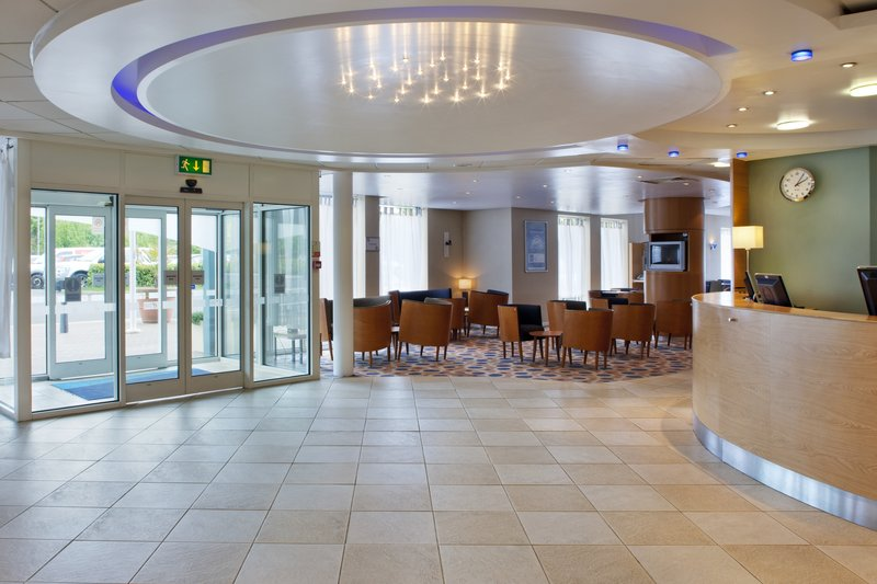 Holiday Inn Express Oxford-Kassam Stadium Előcsarnok