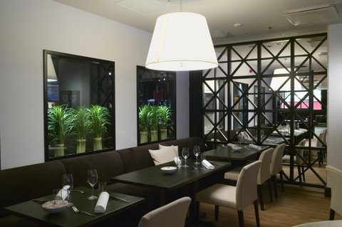 Crowne Plaza HELSINKI - Restaurant Macu serves breakfast  lunch and dinner