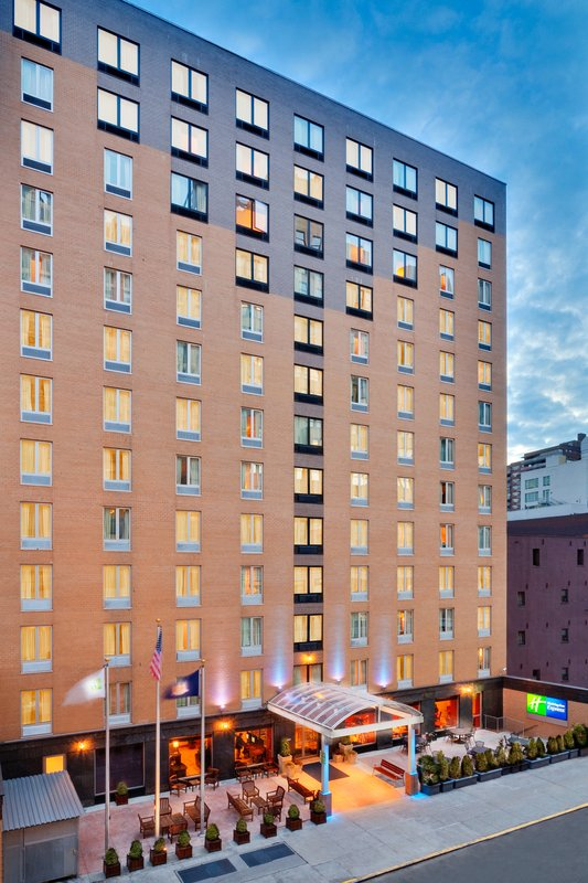 Holiday Inn Express NYC Manhattan Chelsea Area Exterior view