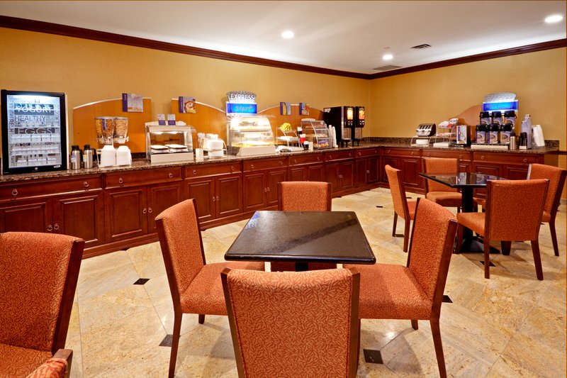 Holiday Inn Express North Bergen - Lincoln Tunnel Gastronomie