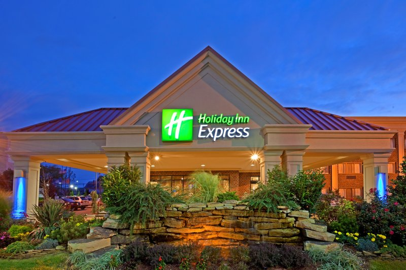Holiday Inn Express Lynbrook Rockville Centre In