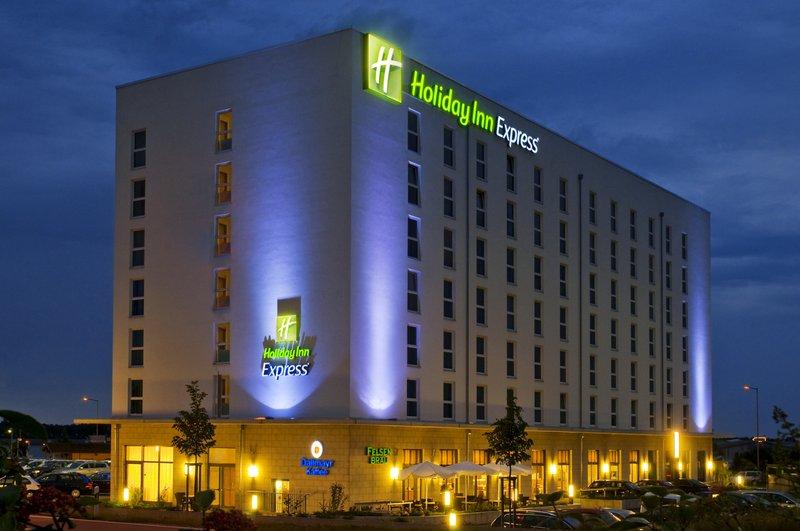 Holiday Inn Express Nürnberg-Schwabach Außenansicht