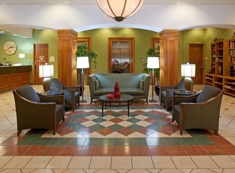 Baymont Inn & Suites - Tullahoma, TN