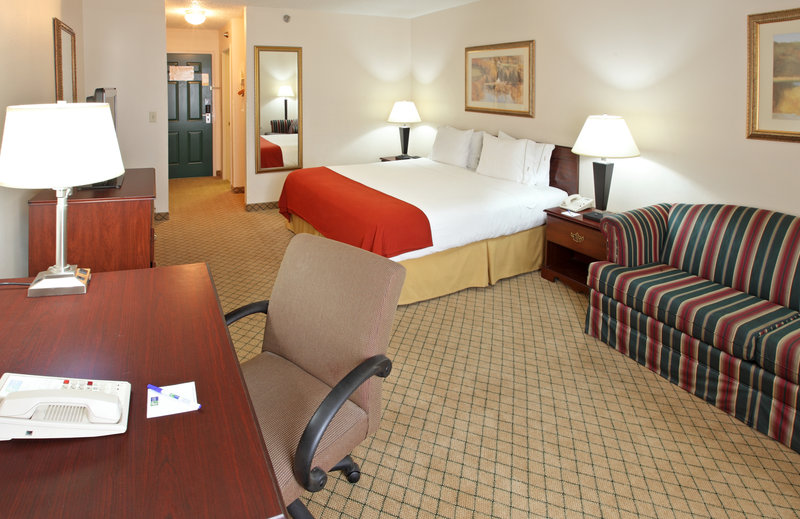 Holiday Inn Express HOPE - Hope, AR