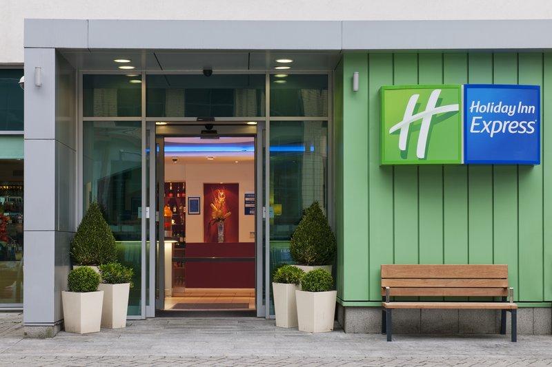 Holiday Inn Express Newcastle City Centre 外観
