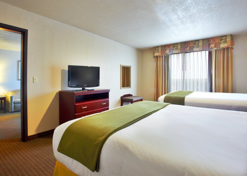 Holiday Inn Express & Suites HEARNE - Hearne, TX