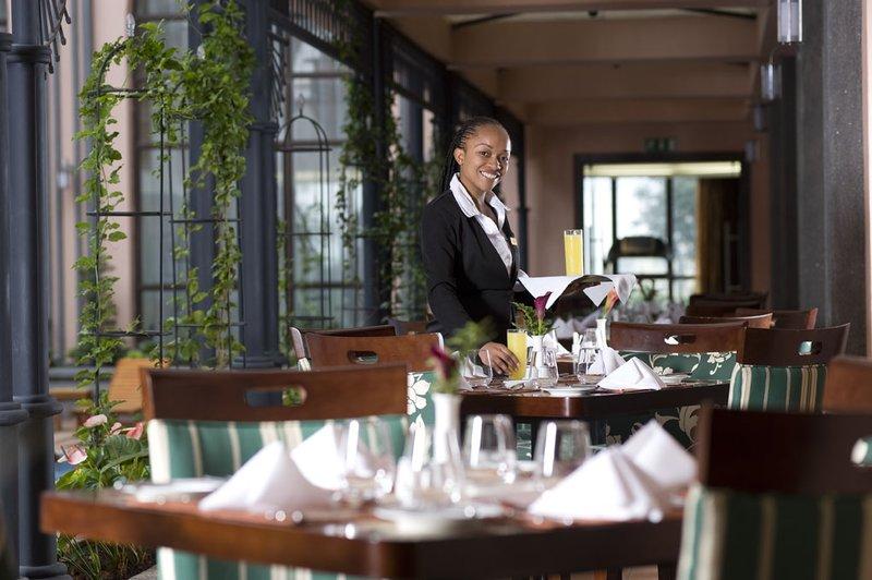 Crowne Plaza Hotel Nairobi Gastronomy