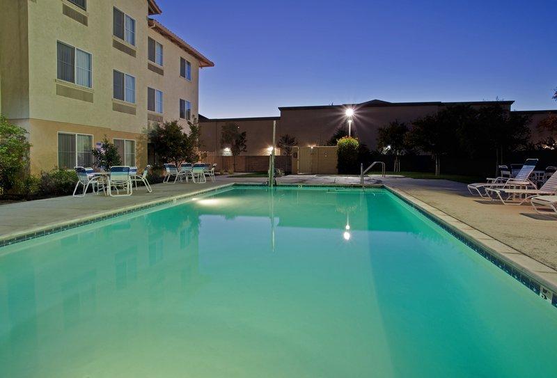 Holiday Inn Express & Suites MANTECA CITY CENTER - Manteca, CA