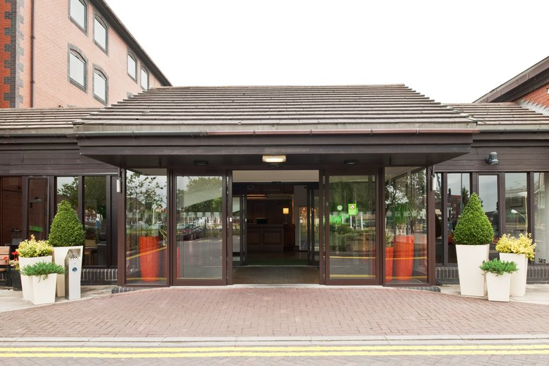 Holiday Inn Hull Marina Exterior view