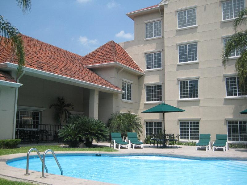 Staybridge Suites Monterrey - San Pedro Billede af pool