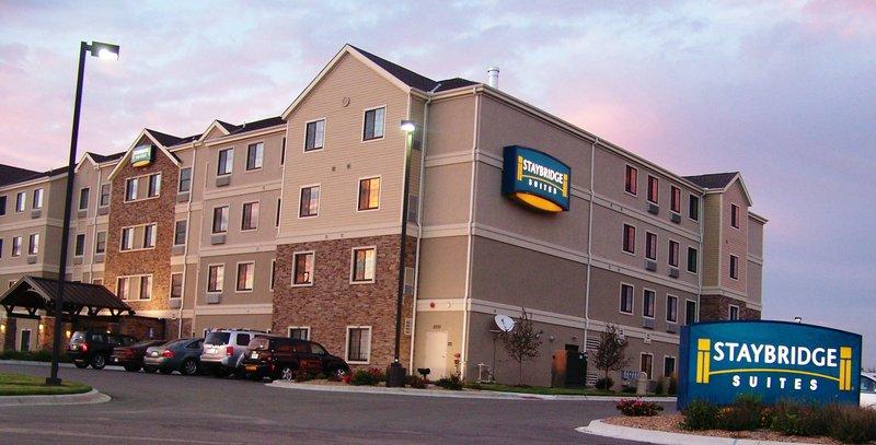 Staybridge Suites Wichita Set udefra