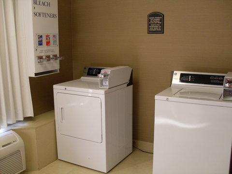 Holiday Inn Express Birmingham East Hotel - Guest Laundry