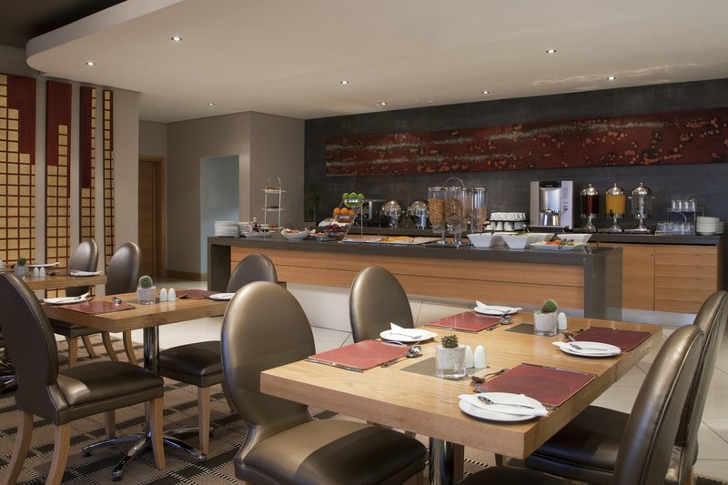 Holiday Inn Express Woodmead 餐饮设施