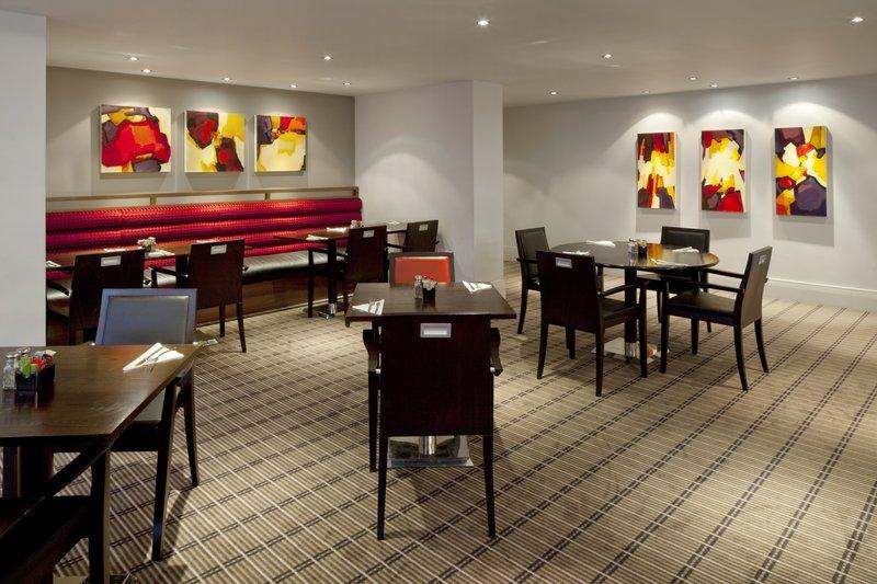 Holiday Inn Express Milton Keynes Ravintolat