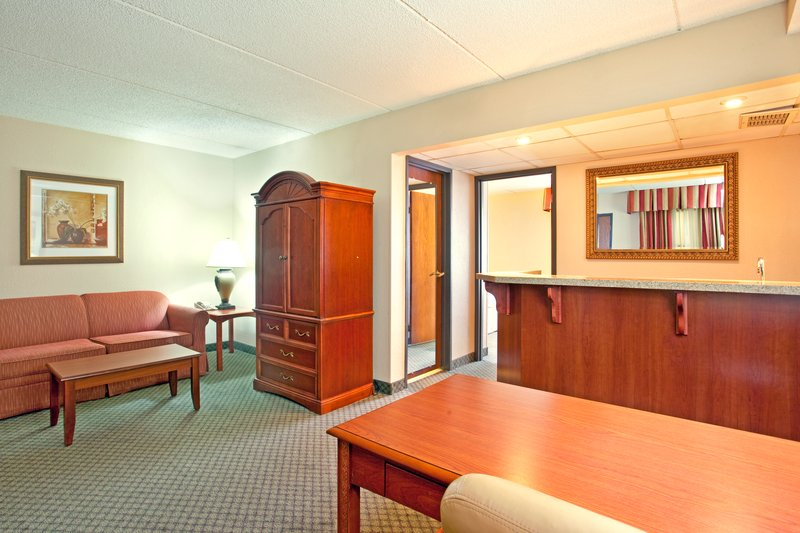 Holiday Inn Express MILWAUKEE-WEST MEDICAL CENTER - Milwaukee, WI