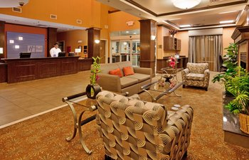 Holiday Inn Express Hotel & Suites - Lobby