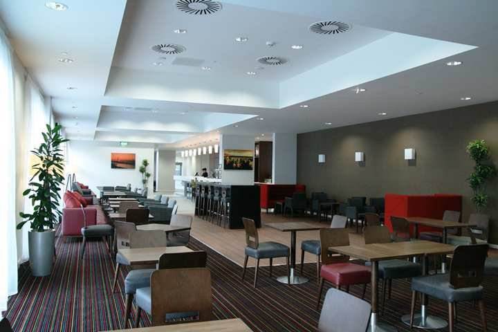 Hampton by Hilton Newport/East Hall