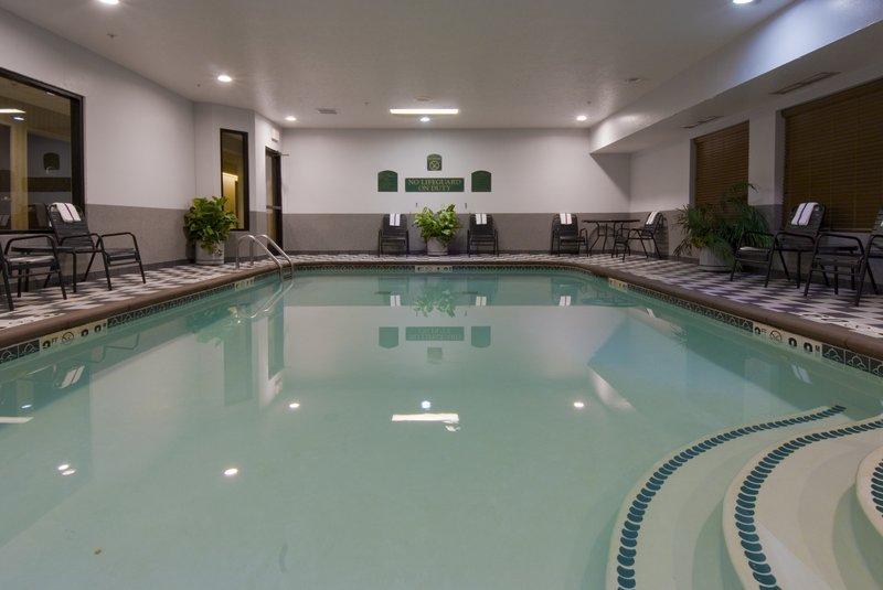 Holiday Inn Express Marshall - Burlington, MI