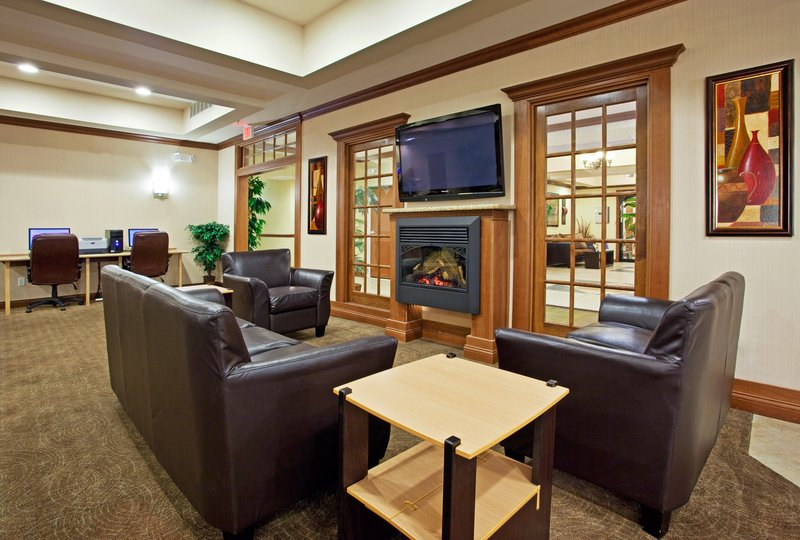 Holiday Inn Express & Suites HOWELL - Howell, MI