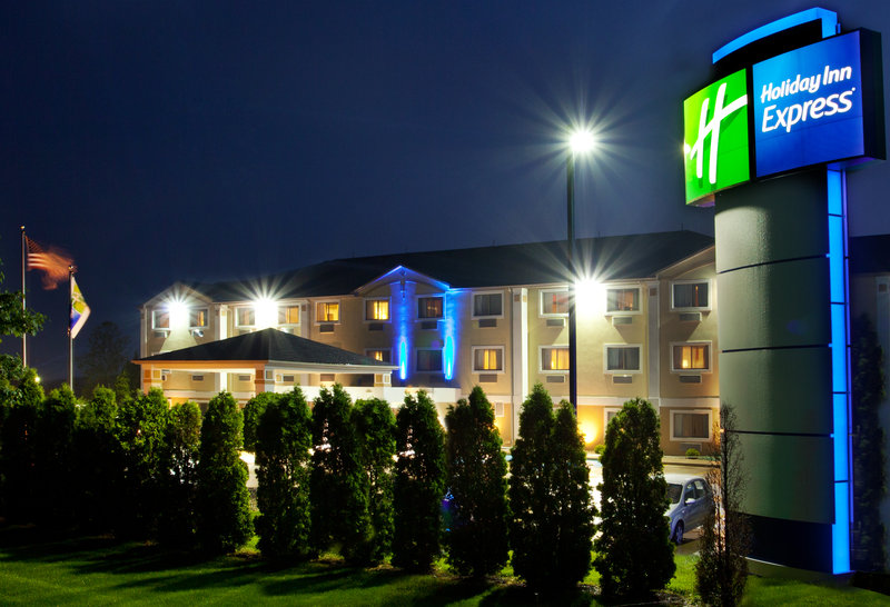 Holiday Inn Express KENDALLVILLE - Rome City, IN