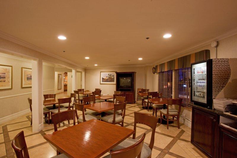 Holiday Inn Express Hotel & Suites Dana Point-Harbor/doheny Beach - Dana Point, CA