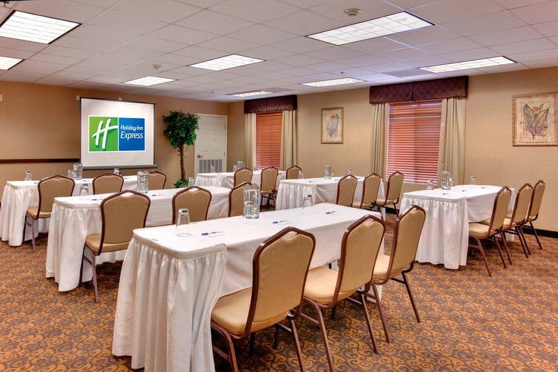 Holiday Inn Express LAS VEGAS-NELLIS - Las Vegas, NV