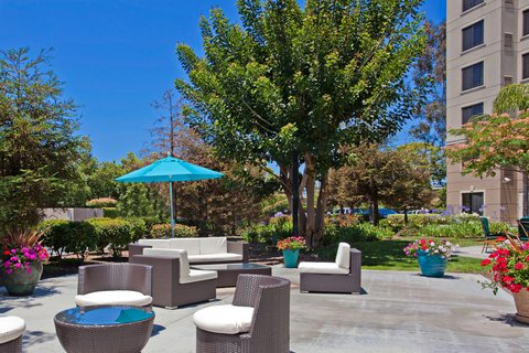 Staybridge Suites Anaheim Resort - Guest Patio