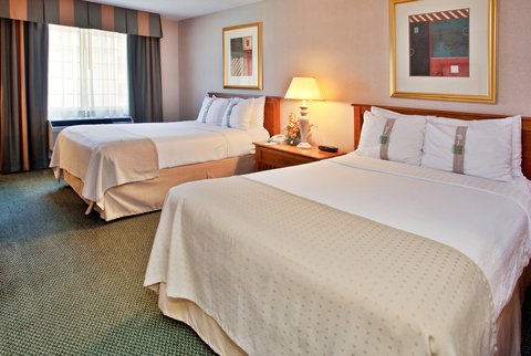 Holiday Inn Anaheim Resort - 2 Double Beds - room for the whole family on California vacation