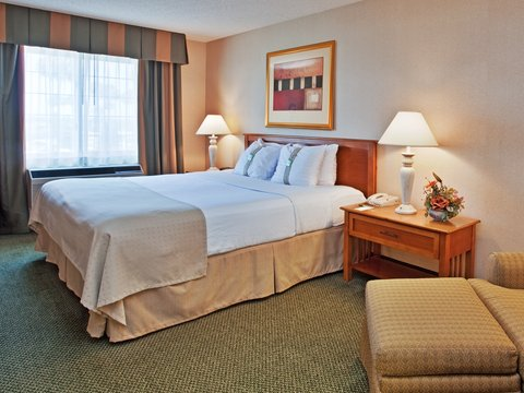 Holiday Inn Anaheim Resort - Travelling on Business - rooms boast free wifi and comfy bed