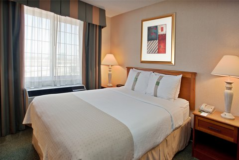Holiday Inn Anaheim Resort - Guestrooms boast free wifi  refrigerator  safe and 2 line phone