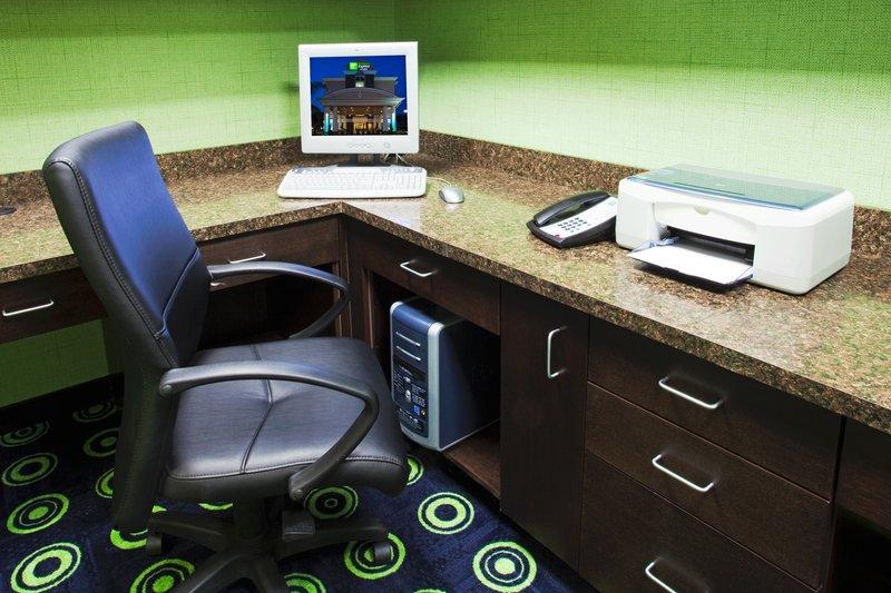 Holiday Inn Express Hotel & Suites Orlando - Apopka Diğer
