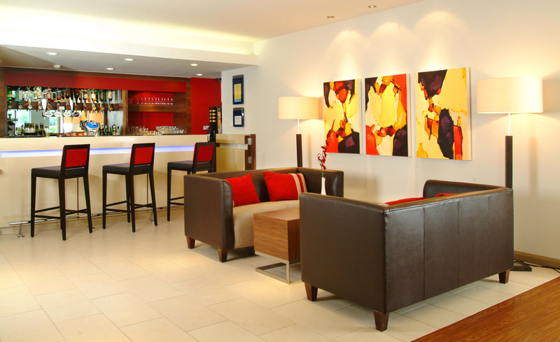 Holiday Inn Express Leeds City Centre Lobby