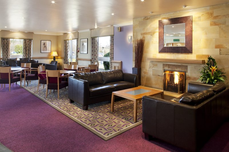 Holiday Inn Leeds-Garforth Lobby