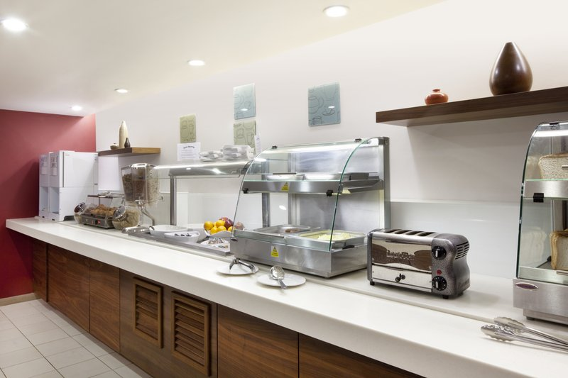 Holiday Inn Express Manchester-Salford Quays Gastronomy