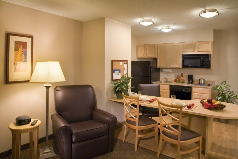 Candlewood Suites Meridian Business Center Widok pokoju