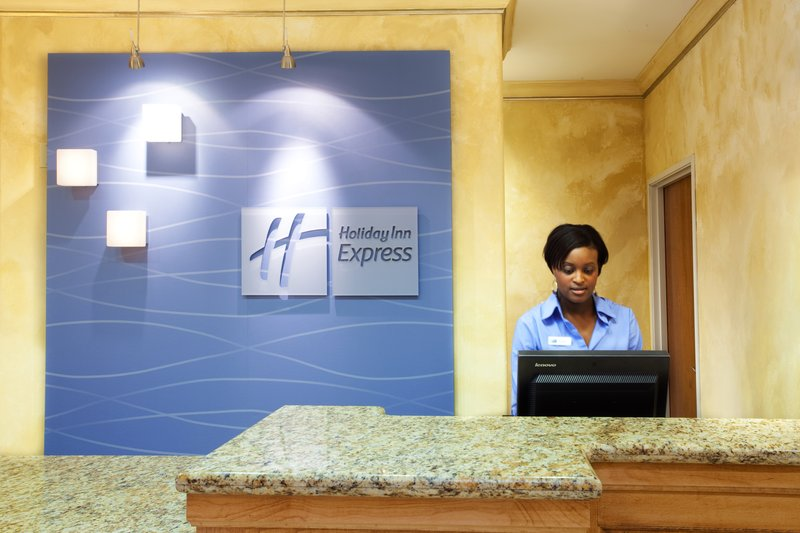 Holiday Inn Express Hotel & Suites Lafayette-South Lobby