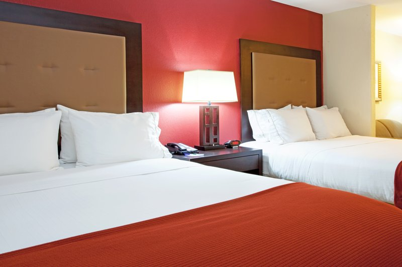 Holiday Inn Express Hotel & Suites Lafayette-South Suite