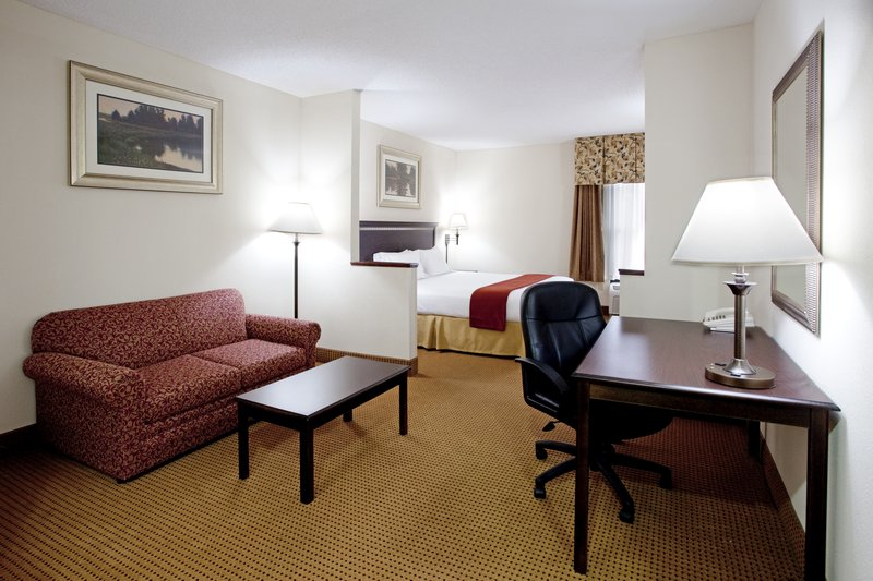 Holiday Inn Express & Suites LEXINGTON-HWY 378 - Lexington, SC
