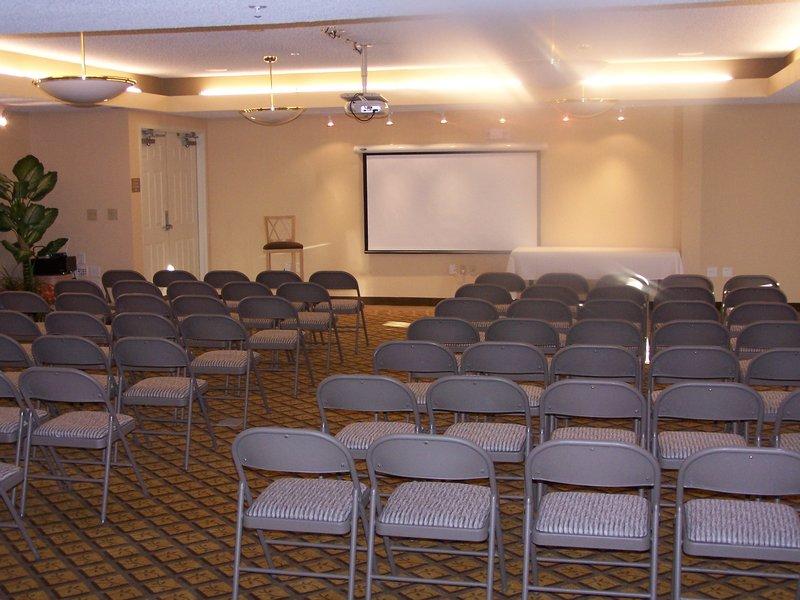 Candlewood Suites Meridian Business Center Pomieszczenie konferencyjne