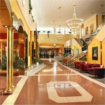 TOP HOTEL Praha & Congress Center - Lobby