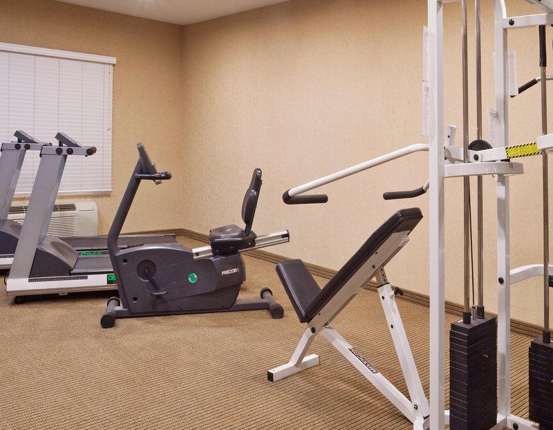 Holiday Inn Express & Suites WOODHAVEN - Trenton, MI