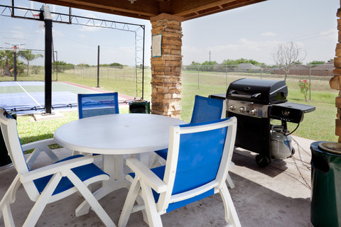 Staybridge Suites BROWNSVILLE - Outdoor Living Room