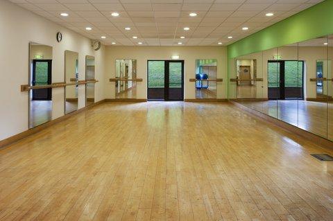 Holiday Inn GLOUCESTER - CHELTENHAM - Studio offering range of fitness classes