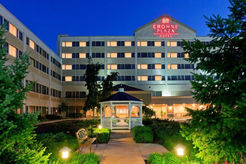 Crowne Plaza Hotel Clark - Clark, NJ