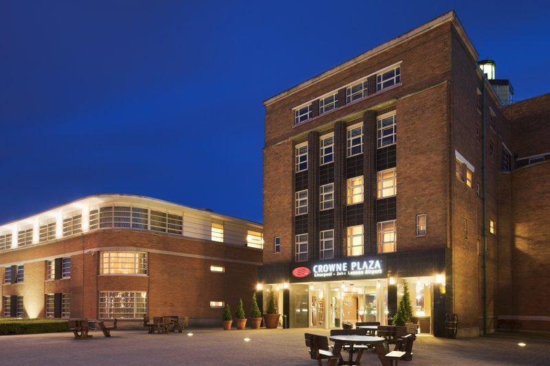 Crowne Plaza Hotel Liverpool-John Lennon Airport 外景