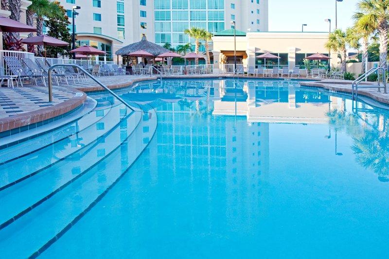Crowne Plaza Hotel Orlando-Universal Vista della piscina