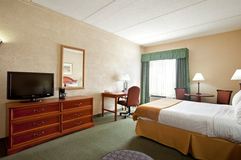 Holiday Inn Express RACINE AREA (I-94 AT EXIT 333) - Sturtevant, WI