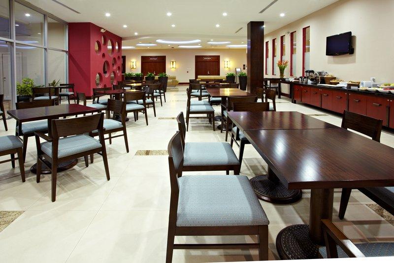 Holiday Inn Express Quito Ravintolat