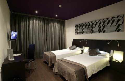 High Tech Nueva Castellana - Guest Room